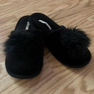 Victoria's Secret Black Pom Pom LADIES SLIPPERS M